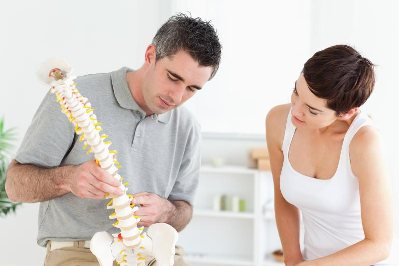 chiropractor with a patient in Kirkland,WA